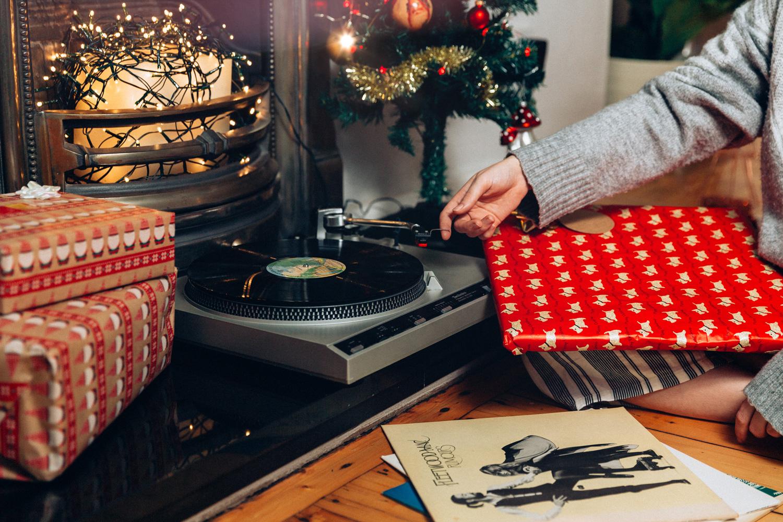 Christmas Turntable